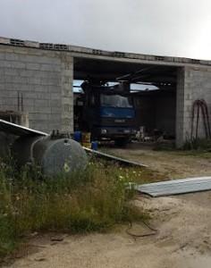 Il garage in parte scoperchiato
