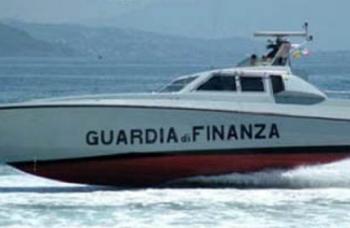 Guardia-finanza-barca