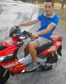 Samuele Panico in sella al suo scooter