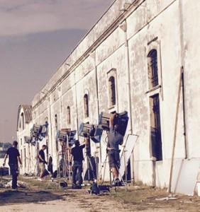 Un frame delle riprese del film a Tricase, all'interno dell'ACAIT