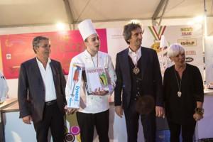 Da Acquarica del Capo Gabriele Turi (Pasticceria Dolcemente di Tricase), il vincitore di Dolci Talenti in Puglia